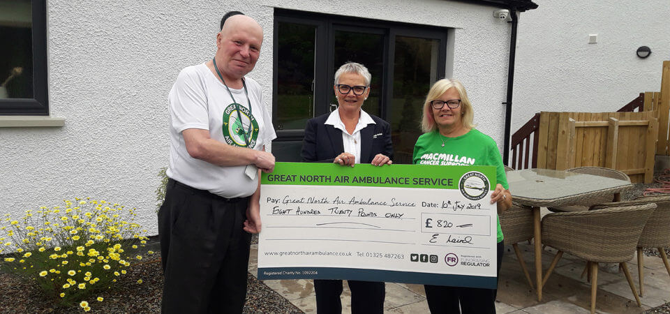 Quiz cash presented to worthy charities